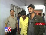 Three held for theft of valuables from Vehicles, Rajkot - Tv9 Gujarat