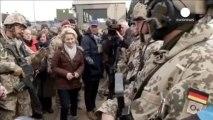 Almanya savunma bakanından Afganistan'a sürpriz ziyaret