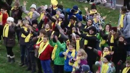 Telethon 2013 La flashmob des enfants des écoles