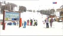 Val d'Allos - 23 décembre 2013 - Le père noël arrive en avance et livre la neige