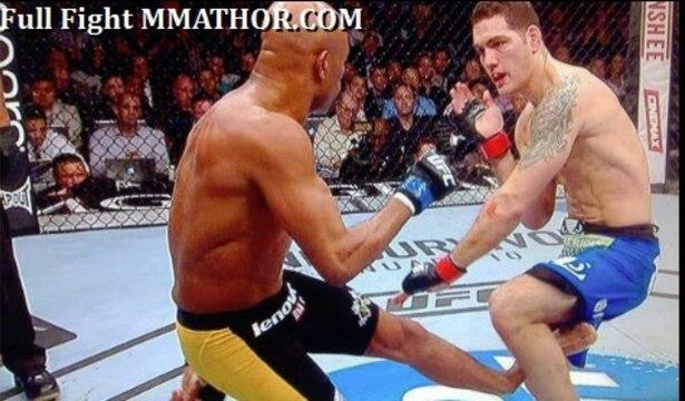 Anderson SILVA BREAKS HIS LEG against Weidman