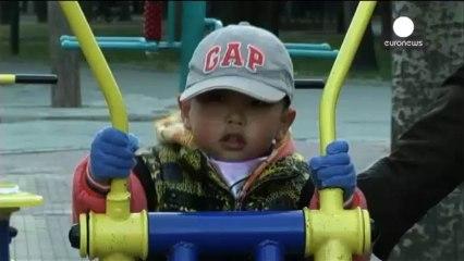 Κίνα- Χαλαρότερη η πολιτική του ενός παιδιού – παρελθόν τα στρατόπεδα επανεκπαίδευσης - euronews, Διεθνή νέα