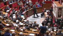 [ARCHIVE] Rythmes scolaires: réponse de Vincent Peillon à la députée Carole Delga lors des questions au Gouvernement à l'Assemblée nationale, le 17 décembre 2013