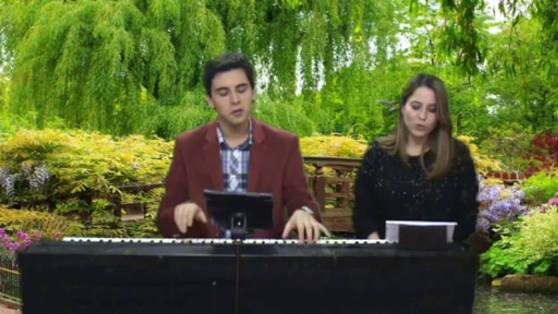 Piyano Türk Müziği BÜLBÜLÜM ALTIN KAFESTE Şarkıcı: Burcu RUMELİ TÜRKÜSÜ ATATÜRK MP3 DİNLE ÇAL ÖĞREN