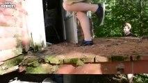 ◄► Un cabane en hauteur en mauvaise état, il chute (DUR)