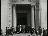 Il principe Umberto visita la mostra degli artisti a Roma