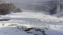 Niagara Falls freezes over in US cold snap