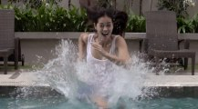 Marcher sur l'eau comme Moise!! Piscine remplie de fluide non-newtonien (Maizena)