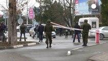 Los pasajeros de Simferópol impasibles ante los hombres armados