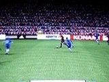 Image de 'Lob avec Jaap Stam contre Petr Cech!!!!!!'