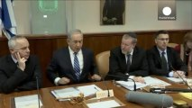 Israele: il presidente Peres rende omaggio alla salma di Sharon