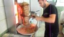 SALEHH Au Kebab Comment faire UN BON KEBAB?(SALADES-TOMATES-OIGNONS)ANNONAY KEBAB HD