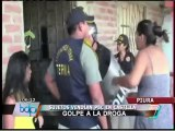 Policías y pobladores se enfrentaron en captura de vendedores de PBC en Piura