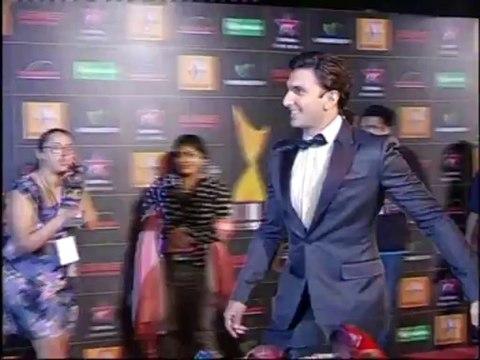 1-STAR GUILD AWARD RED CARPET WITH SRK AND SALMAN, ranveer singh