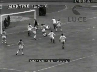 L'incontro di calcio Juventus-Bari.
