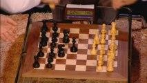 Bill Gates loses at chess: Magnus Carlsen beats Gates in 71s