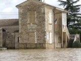 Inondations: le village de Jusix entouré par les eaux