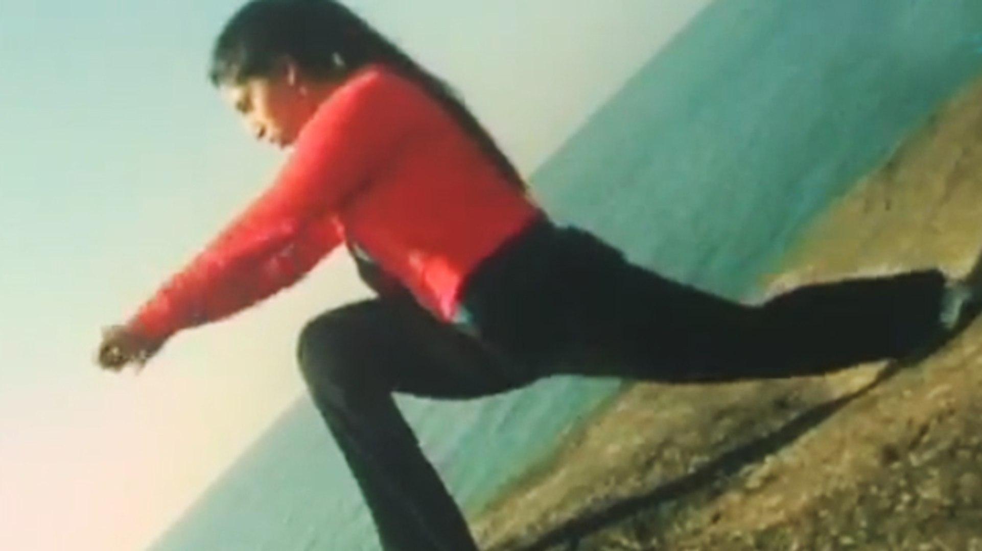 Ayesha HOT Exercise | Lady Bruce Lee | Malayalam Movie Scene