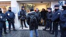 Des sans-papiers occupent l'agence Air France à Lille