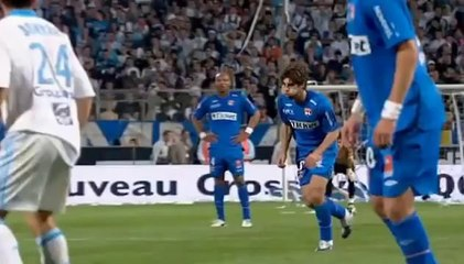 Reportage: Juninho et ses coups francs magiques !