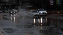 Roma in tilt per la pioggia, allagamenti e polemiche