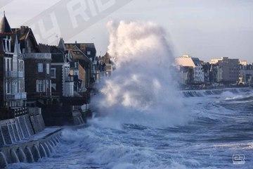 La Tempête et les grandes marées à Saint-Malo en Bretagne-Marée du siècle