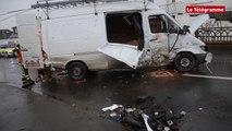 Ploubezre (22). Le conducteur d'un fourgon grièvement blessé dans une collision