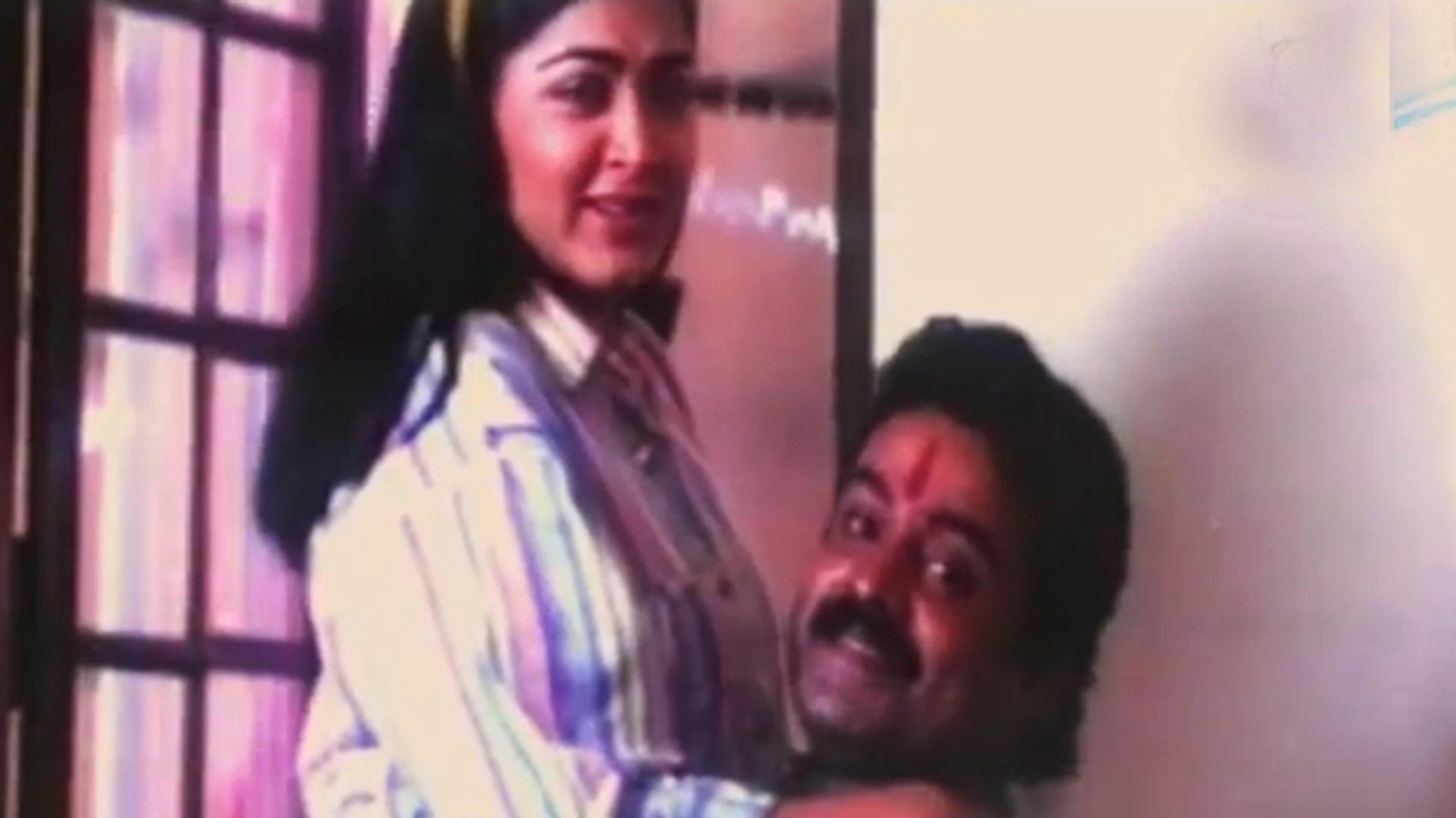 Dileep Saves Kushboo From Bad Guys | Manathe Kottaram | Malayalam Film