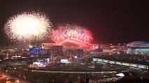 Feu d'artifice d'ouverture des Jeux Olympiques d'Hiver de Sotchi.