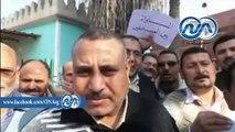 العاملون بالمساحة بكفر الشيخ يعتصمون ويغلقون باب المديرية بالجنازير للمطالبة بالحد الأدنى للأجور