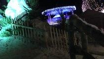LES  W-D.D. MICHOU NEWS - 27 DECEMBRE 2013 - NOEL PYRENEEN - LE VILLAGE DU PERE NOEL DE NUIT.