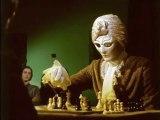 """aus: """"Schach dem Roboter"""" 1976 (""""Les Robots pensants"""")"""