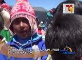 El presidente regional de Puno, Mauricio Rodríguez, entregó ropa y víveres a los pobladores de Kapi Uros, la isla flotante más alejada del Lago Titicaca.
