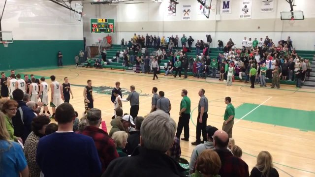Manager becomes hero of high school hoops game