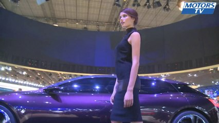 The most beautiful girls at the 2012 Paris Motor Show