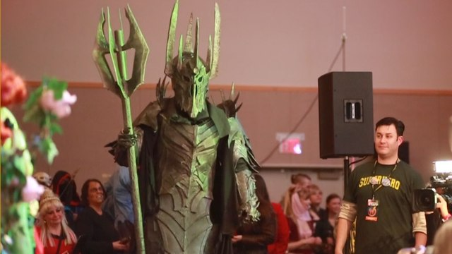 Is This Sauron Cosplayer The One Cosplayer To Rule Them All?
