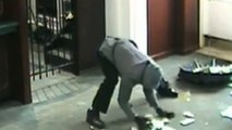 Bank robbery fail: Suspect drops thousands of dollars