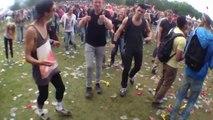 Des jeunes débiles dansent sur du Benny Hill... Belle parodie!
