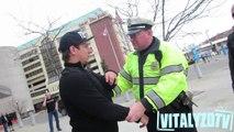 Fumer de la drogue devant les flics - Caméra cachée bien fun!