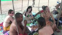 WWW.DANSACUBA.COM Super journée plage entre stagiaires et cubains avec dejeuner langouste a gogo au bord de la plage  STAGE FEVRIER 2014