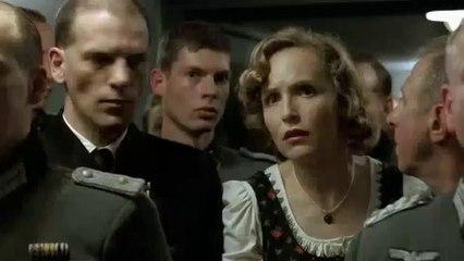 Hitler viene avvisato della sconfitta in Coppa Italia