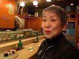 Суши размером с зернышко готовят в Токио