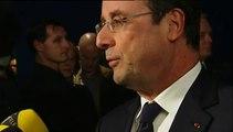 """François Hollande assiste à l'avant-première du dernier Alain Resnais, """"Aimer, boire et chanter"""""""