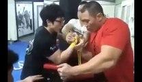 Arm Wrestling Small Guy Vs Big Guy - Funny Arm Wrestling