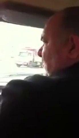 Kızına Araba Sürmeyi Öğreten Babanın Çilesi