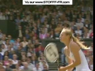 Maria Sharapova montre ses seins