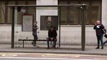 Des abribus piégés! : Caméra Cachée dans les Abribus de Londres..
