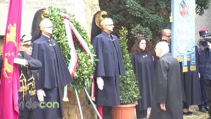 Fosse Ardeatine, 70esimo anniversario: Napolitano depone corona per vittime