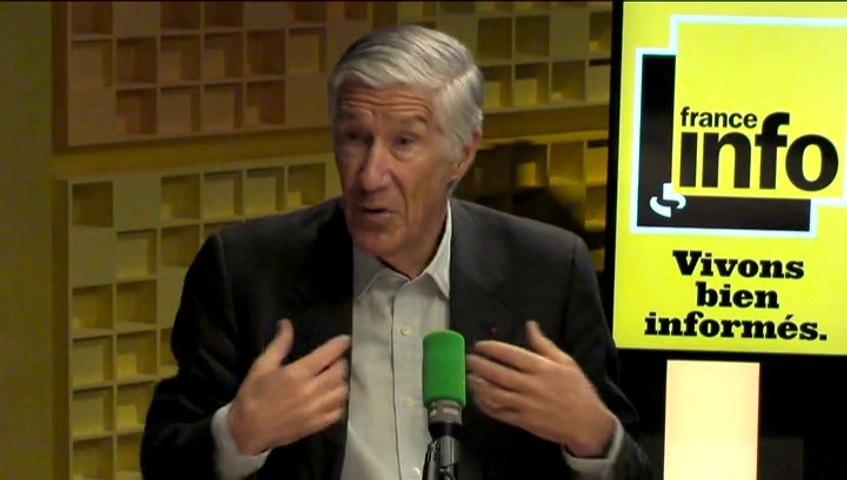 """Joël de Rosnay: """"Dans le futur on va passer des objets portables aux objets mettables"""""""