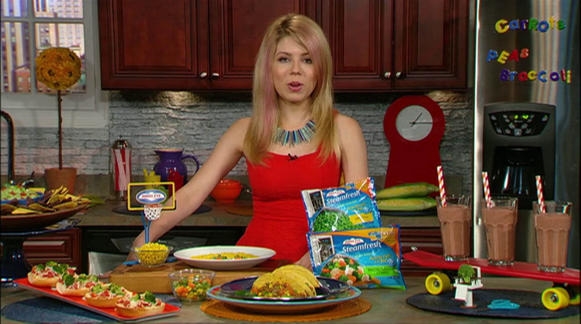 Jennette MCCurdy Talks Healthy Eating!